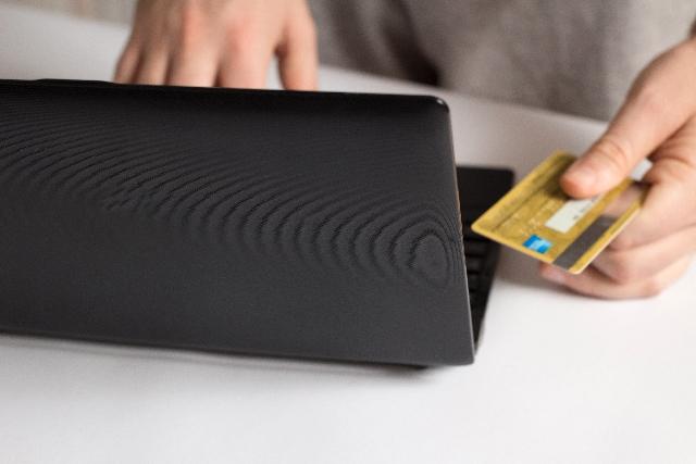 パソコン クレジットカード